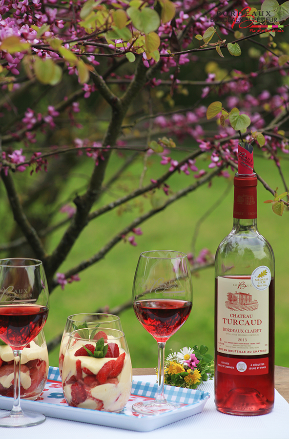Tiramisu rose aux fruits rouges et Clairet