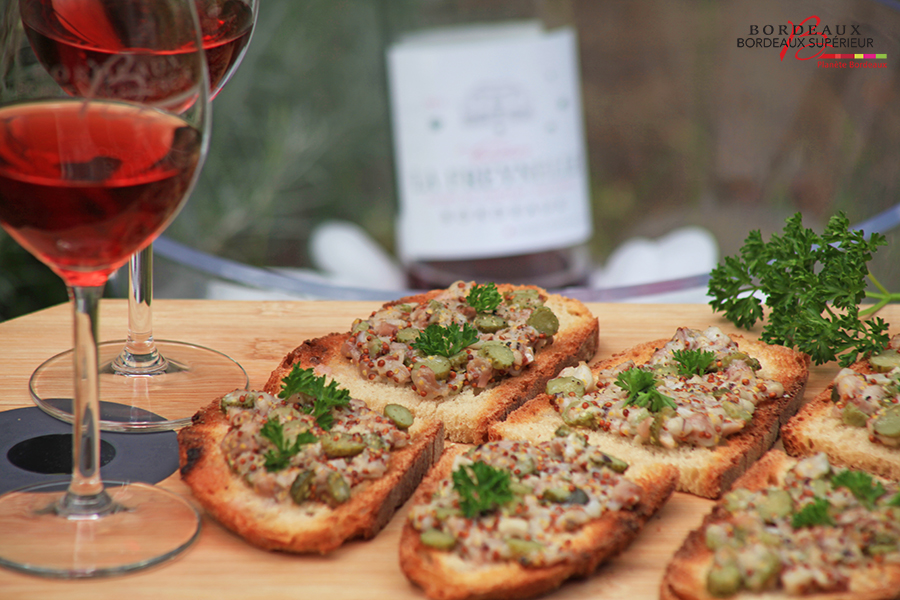 Tartines Pied de Cochon & Bordeaux Clairet